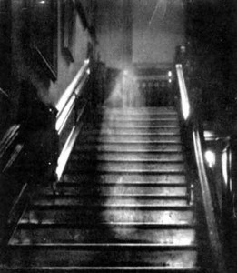 Ghost Hunts vs Paranormal Investigations image